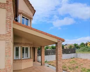 Casa adosada de alquiler con opción a compra en Navarro, Lozoyuela-navas-sieteiglesias