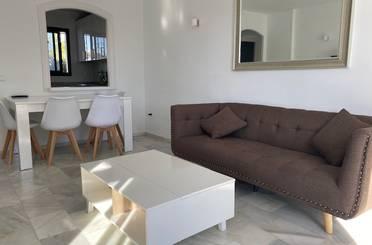 Apartamento de alquiler con opción a compra en Benamara, 3, Estepona