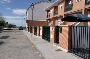 Einfamilien-Reihenhaus zum verkauf in Calle Cruz de Mayo Vivienda, Ciruelos