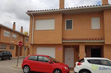 Casa adosada en venta en Avenida de Zaragoza, Mallén