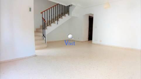 Foto 3 de Casa adosada de alquiler con opción a compra en Centro, Sevilla