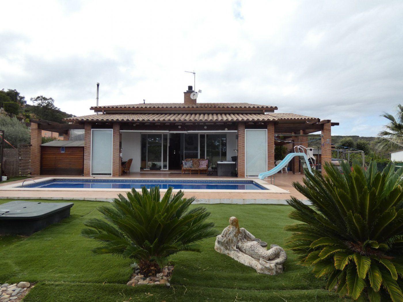 Lloguer Casa  Calonge ,calonge - cabanyes. Calonge: villa de lujo de 400 m2 sobre parcela llana de 1.500 m2
