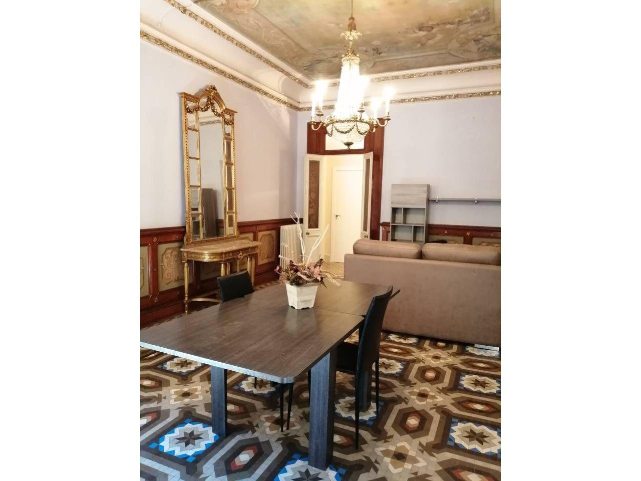 Lloguer Pis  Valls. Superf. 50 m²,  1 habitación doble,  1 baño, cocina, suelos gres