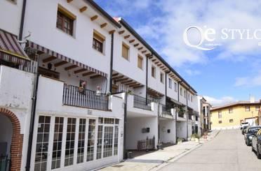 Casa adosada en venta en Mucientes