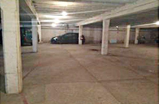 Autoparkplatz  Urbanización delta residencial, c/ pedraforca, 0. Estupenda plaza de garaje situada en la planta semisótano de edi