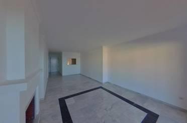 Apartamento de alquiler en C/ José Orbaneja Calahonda, Calahonda