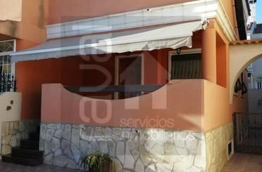 Casa adosada de alquiler en Retiro, Valverde