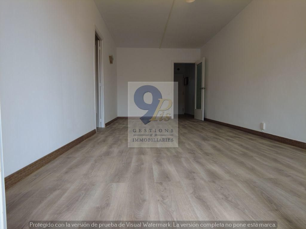 Piso  Calle carrer mossèn jaume sala, 5. 9pis les presenta este estupendo piso exclusivo recien reformado