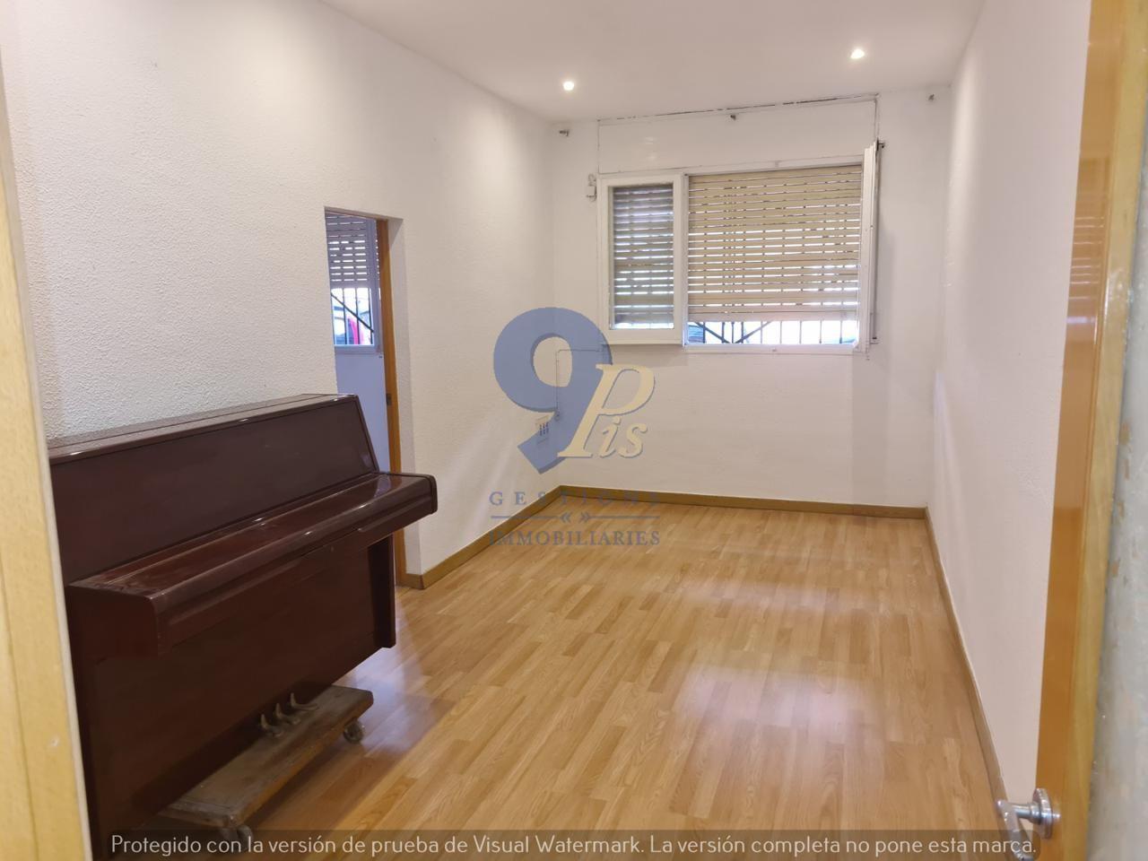 Piso  Plaza catalunya. 9pis inmobiliaria les presenta en exclusiva esta vivienda en pla
