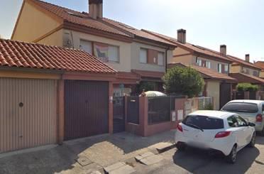 Casa adosada en venta en Calle Los Madroños, Villalba Estación
