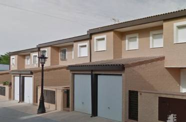 Casa adosada en venta en Azuébar