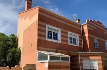 Casa adosada en venta en Meco pueblo