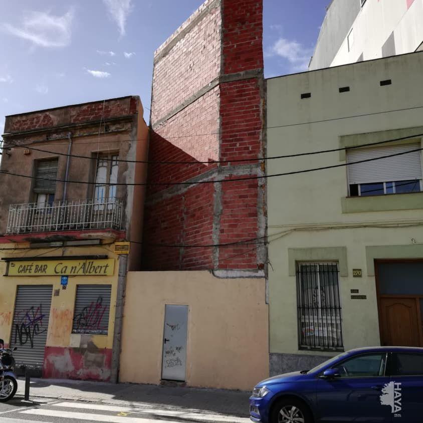 Edifici en Covadonga. Edificio en venta en torre-romeu, sabadell (barcelona) tres creu
