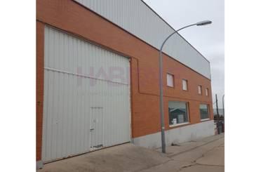 Nave industrial en venta en Villares de la Reina
