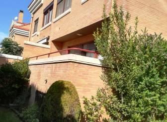Casa adosada en venta en Urbanización Fuente de la Junquera,  Zaragoza Capital