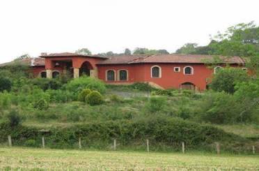 Edificio en venta en Vales Cereceda, 111, Piloña