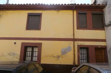 Casa adosada en venta en Grado