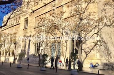 Edificio de alquiler en  Valencia Capital
