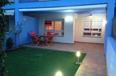 Casa adosada de alquiler en Orihuela