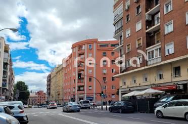 Piso en venta en Calle Jacinto Verdaguer,  Madrid Capital