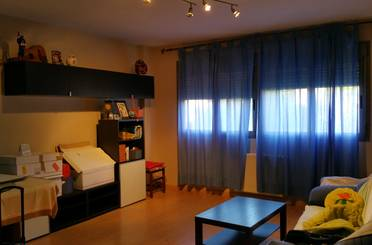 Apartamento en venta en Velilla de San Antonio