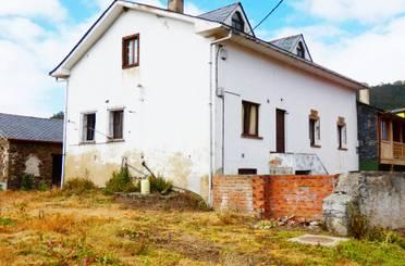 Casa adosada en venta en Valdés - Luarca