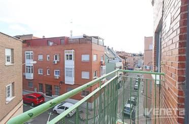 Piso en venta en Calle de las Gardenias,  Madrid Capital