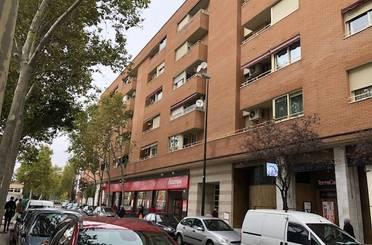 Piso en venta en Calle Batalla de Arapiles,  Zaragoza Capital