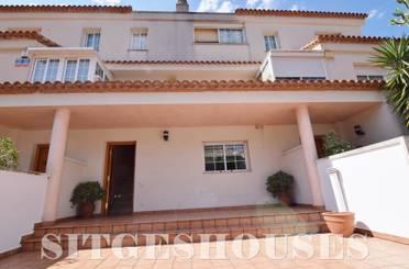 Casa adosada de alquiler en Carrer Enric Granados, Levantina - Montgavina - Quintmar