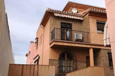 Casa adosada de alquiler en Beiro