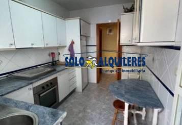 Casa adosada de alquiler en Calle Labradores, Almería ciudad